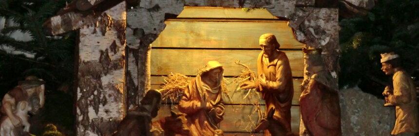 Weihnachtsgrippe in der Wallfahrtsbasilika; Maria und Josef warten auf die Geburt von Jesus